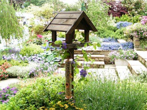 Bird table in the Gardman Wild Bird Garden