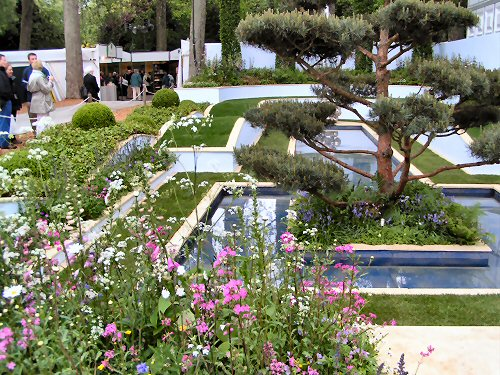 The Trailfinders Recycled Garden: Formal Design